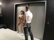 Video porno - piccola asiatica e cazzo gigante