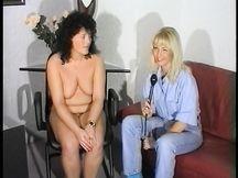 Mega vibratore nella vagina