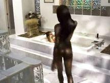 Video porno – pompinara nera