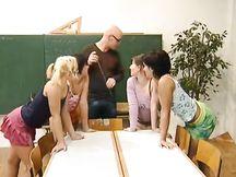 Video porno – orgia a scuola