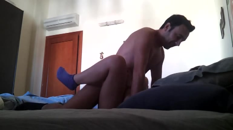 Scopata veloce sul letto di casa - 2 part 5