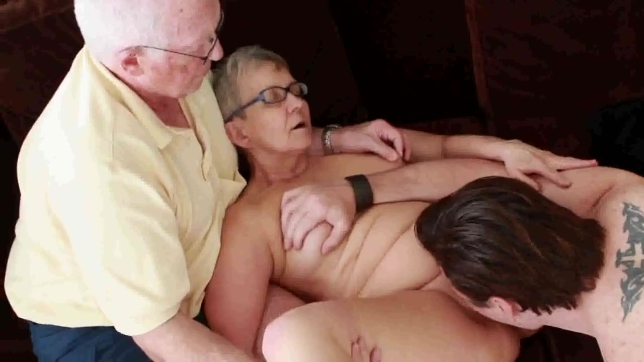 porno arabo grates sesso con la nonna video