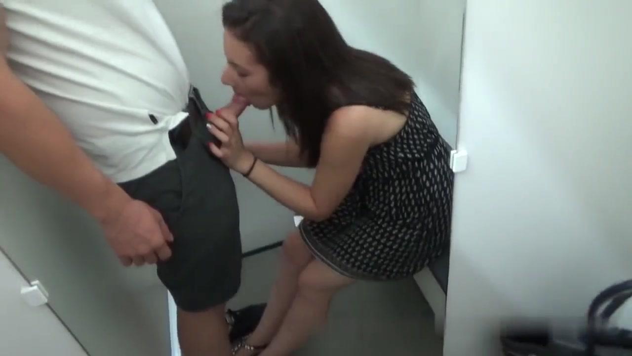 Ragazza fa sesso durante una live di periscope - 2 part 4