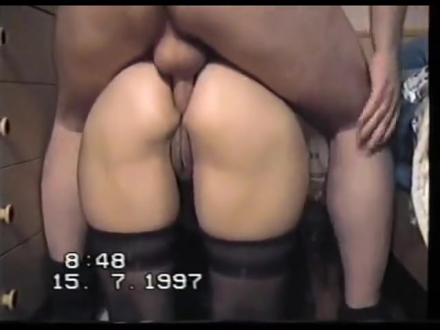 Cornuto filma la moglie mentre prende due cazzi in figa - 2 part 3