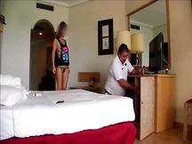 Fa la troia col dipendente del Resort