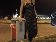 Mia moglie Silvia fa la porca davanti al McDonald's