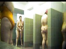 Telecamera nascosta in una doccia di una palestra russa