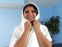 Bella teen egiziana si masturba la figa