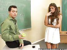 Porca gnocca scopata dal suo insegnante