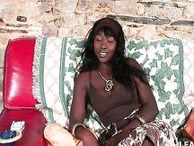 Bella nera francese sodomizzata