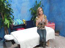 Cam nascosta in sala massaggi