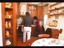 Casalinga italiana scopata da maritino e cognato