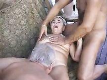 Nonna maiala trombata da pensionati