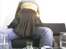 Lussuriosa segretaria in gonnella
