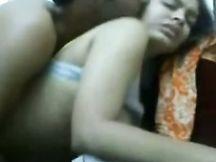 Sesso con la mia piccola amica di college indiana