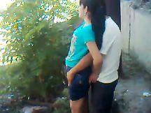 Il mio amico uzbeko scopa la figa della sua fidanzata da dietro