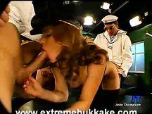 Filmato porno amatoriale sesso sul divano