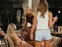 Video porno - orgia con belle lesbiche arrapate