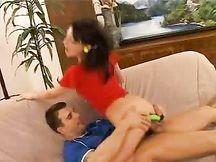 Video porno - bella fichetta giovane culetto spanato