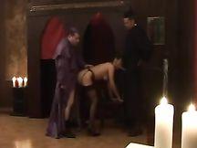 Ragazza scopata dal prete e dal vescovo