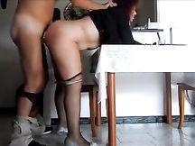 Sabrina inculata sculacciata e punita