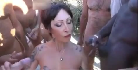 Tatuato milf sesso