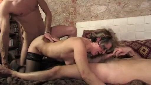 ubriaco sesso orgia foto