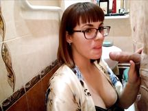 GloryHole casalingo in bagno