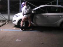 Mi faccio scopare da uno sconosciuto in un parcheggio