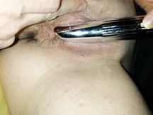 Fighetta appena depilata e vibratore...la zoccola si fa filmare la figa in primo piano
