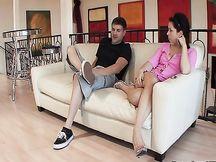 Video porno - coppia scopa sul sofà
