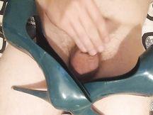 Sego le scarpe della mamma della mia ragazza