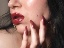 Una Lady col suo rossetto affascinante