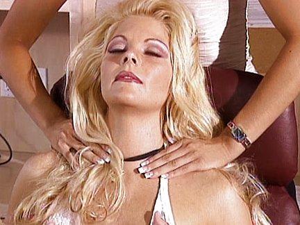 lesbiche succhiare tette porno Rosie Huntington-Whiteley sesso video
