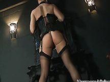 Video porno – sesso con puttana bionda in lingerie