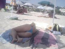 Bel culo in spiaggia