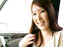 Bella giapponese con la fica pelosa
