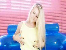 Video porno - Michelle Moist