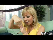 Adrianna Nicole porno orale e anale