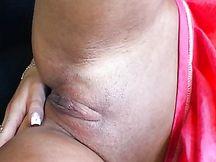 Cazzone nero per una bocca ingorda