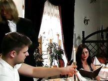Sesso al ristorante con Jessica Fiorentino