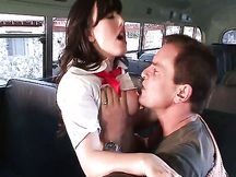 Jennifer White inculata sul bus