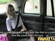 Scopata amatoriale sul cofano del taxi