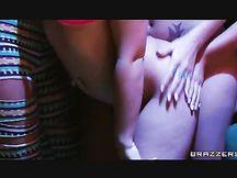 Sesso lesbo tra quattro pornostar
