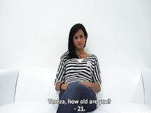 Babe ceca si masturba la sua clitoride