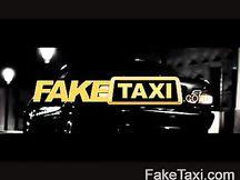 Bella teen spagnola scopata in taxi