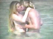 Sexy coppia di nudisti biondi