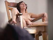 Fidanzata spiata con la cam