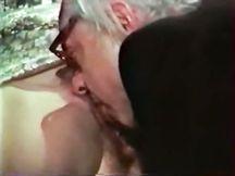 Bionda francese fa sesso con vecchio porco