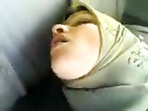 Sfacciata puttana araba succhia